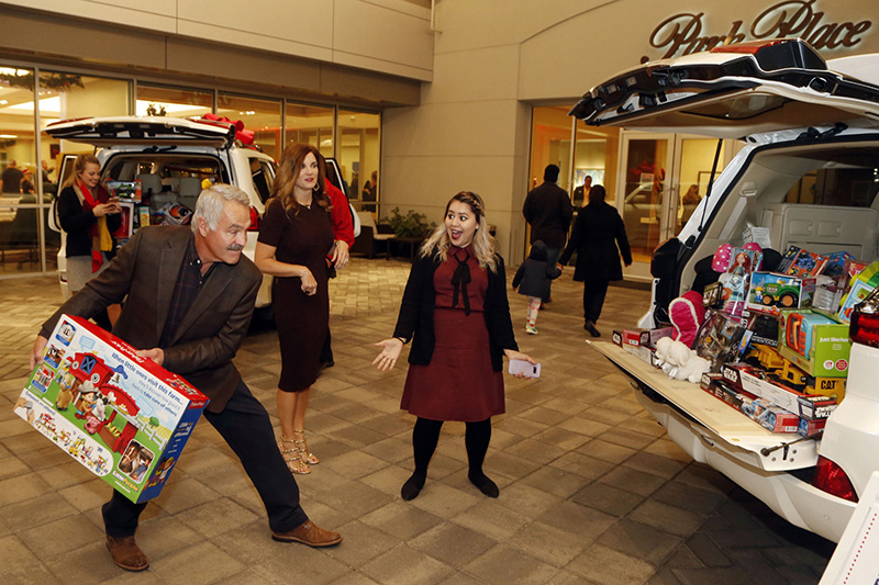 Charming Kent And Linda Ware Of Downtown Fort Worth At The Grace Toy Drive At Park  Place Lexus In Grapevine, Texas, On November 09, 2017.