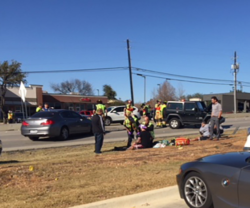 Major Wreck on Hwy 26 in front of Colleyville Downs Shopping Center 12-12-2017